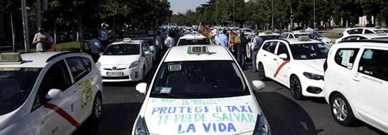 Una ´marea´de taxitas piden a Almeida una 'desescalada' propia