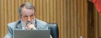 El Defensor del Pueblo pide en el Congreso una ley que regule las residencias