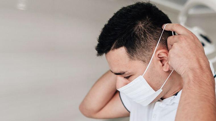 Suspenden reparto de mascarillas en las farmacias al detectar aglomeraciones y acopio
