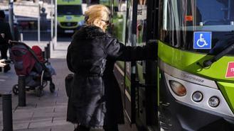Los mayores pueden solicitar ya la subvención del 45% par el abono trasnporte