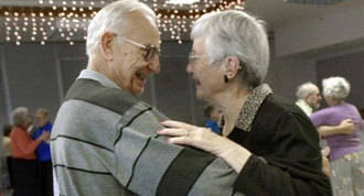 Actuaciones, baile y photoall para que los mayores en San Valentin