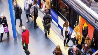 Los trabajadores del Metro se movilizan por la falta de plantilla y medios