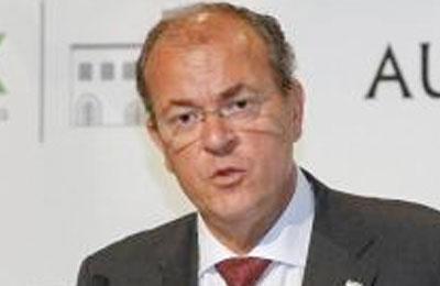 Monago dice que el Senado ha certificado 16 sus viajes a Canarias