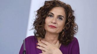 Montero denuncia que Madrid hace 'dumping fiscal' y luego pide recursos al Gobierno