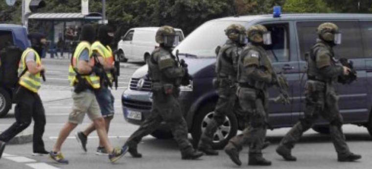 Tres atacantes matan y desencadenan el terror en Munich