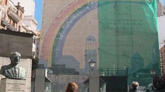 El PSOE quiere convertir el mural en Plaza del Carmen en el ' el reggaetón del arte urbano'