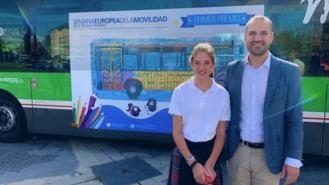 Los dibujos de dos alumnos de la localidad viajarán en un bus de la L-1