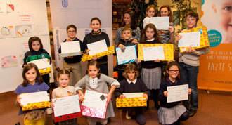 Quince escolares se solidarizan con los niños enfernos de cáncer