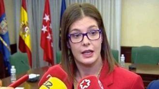 La alcaldesa de Móstoles cede a las presiones del PSOE-M y destituye a su hermana