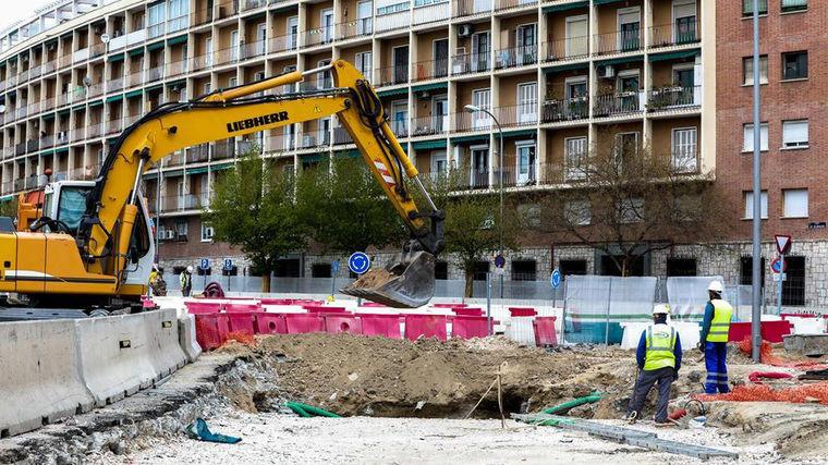 Más Madrid reclama a Almeida que mantenga la suspensión de más de cien obras municipales