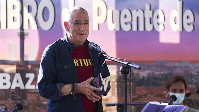 El `alcalde´de Vallecas publica `Panorama desde el puente´ con prologo de Pablo Iglesias