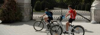 Madrid cierra piscinas y clausuara parques de noche ante los rebrotes