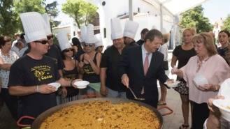 Miles de personas de todas las edades participan en las Fiestas Patronales del municipio