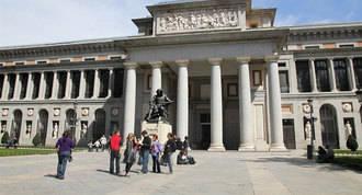 Carmena cierra al tráfico el Paseo del Prado los domingos por la mañana