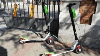 Personas con discapacidad se concentra contra la 'proliferación anárquica' de patinetes