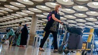 España exige desde este lunes PCR negativa a los viajeros de 65 países