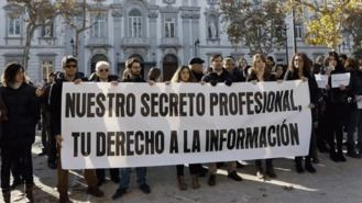 Los periodistas protestan ante el Supremo para defender el secreto profesional