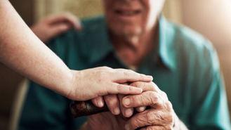 El Ayuntamiento ofrecerá servicios a los mayores para que se queden en casa