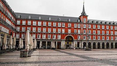 Madrid ampía la temporada de terrazas más allá del 31 de octubre y reduce un 25% la tasa