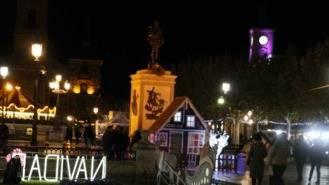 Los accesos a la Plaza Cervantes cortados por las atraccione de Navidad