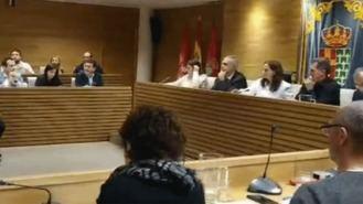El Pleno aprueba apoyar a 50 familias amenazadas de desahucio por un fondo de inversión
