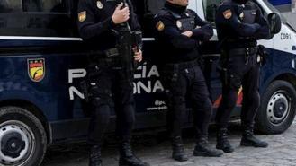 Detenidos ocho jóvenes por robar en inmediaciones de un centro comercial
