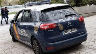 Policias salvan la vida a una anciana intoxicada por un escape de gas en su vivienda