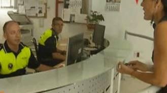 Vecinos y comerciantes pueden 'prestar' las llaves a la policía local durante el verano