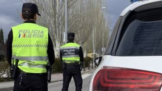 La Policía pide colaboración para localizar al conductor fugado tras atropellar a una mujer