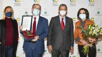 El Ayuntamiento otorga al Dr. Esteban González el Premio por la Igualdad 2021