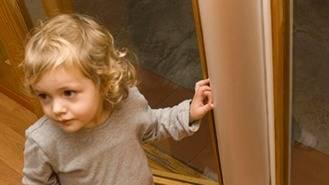 Los colegios del municipio tendrán `protegededos´en las puertas de infantil