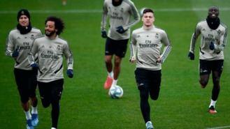 El Real Madrid de fútbol y baloncesto, en cuarentena tras un positivo