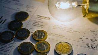 El recibo de la luz se dispara casi un 6% en enero, 4 euros más