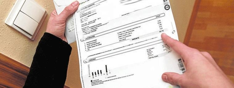 El precio de luz se dispara en abril, 5 euros más en la factura del mes