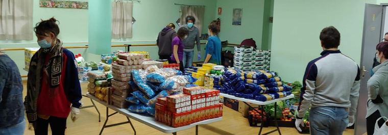 Las redes vecinales de la capital alimentan a más de 20.000 personas