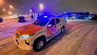 Rescatadas 1.500 personas atrapadas en sus coches en carreteras de la región