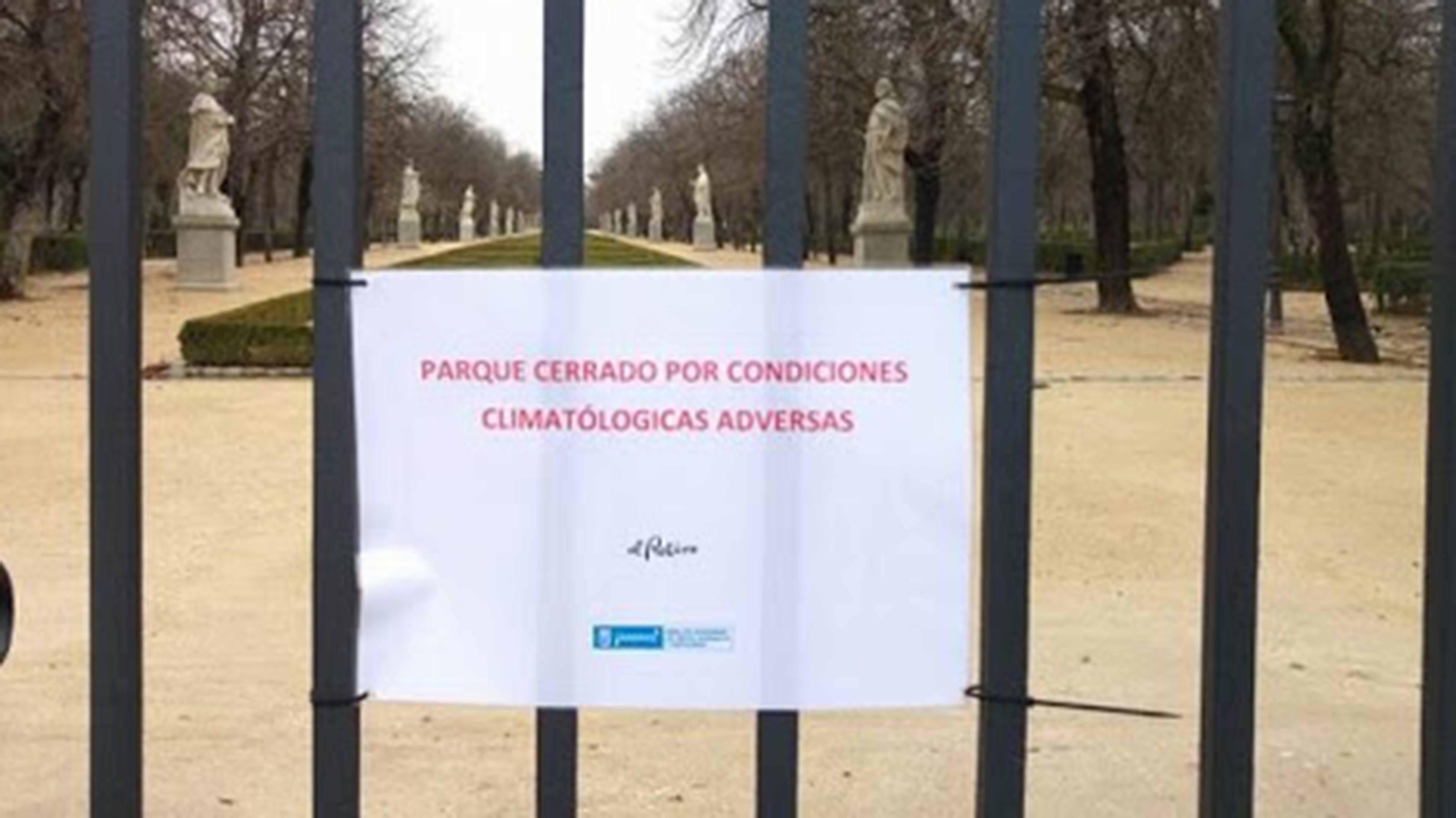 El Retiro y otros 8 parques cerrados y 150 intervenciones por el fuerte viento