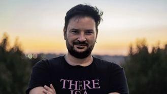 El escritor Roy Galán cierra la lista de Más Madrid encabezada por Carmena