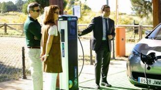 Instalado el primer punto de recarga gratuito para coches eléctricos con energía solar