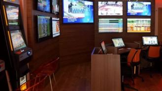 El Ayuntamiento paraliza las licencias de nuevos locales de juego y apuestas