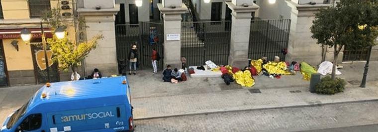 El Samur Social colapsado, niños y enfermos duermen a la intemperie