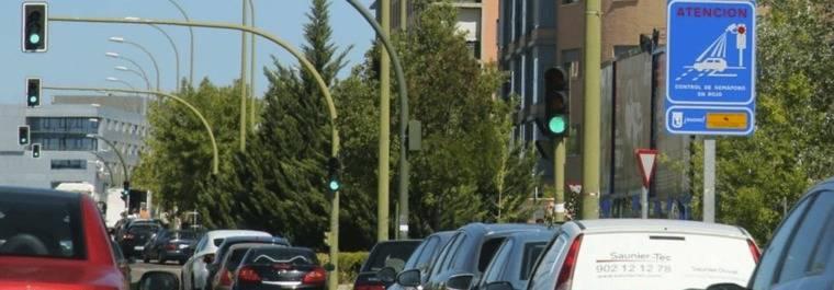 Los nuevos sem�foros `foto-rojo� multan desde este lunes