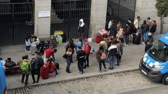 Solicitantes de asilo llevan al Defensor del Pueblo su situación de 'indigencia' en Madrid