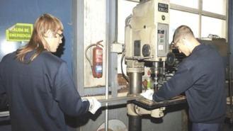 El Ayuntamiento prorroga con 270.000 € doce talleres prelaborales para jóvenes