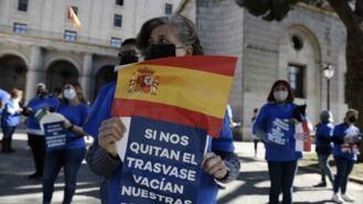 1.500 vehículos recorren Madrid en defensa del Trasvase Tajo-Segura
