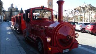 Comienza a funcionar el tren turístico que une el Casco Histórico y Complutum