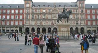 El sector turístico emplea a 300.000 personas en la región