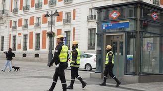 La UME desinfecta por la noche las estaciones de Metro de Madrid