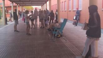 UP denuncia colas desde el sábado en un instituto para conseguir plaza en FP