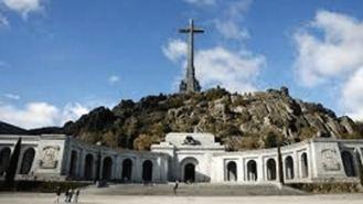 Los Franco acuden al Constitucional como último intento para parar la exhumación